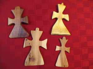 Large treenware cross